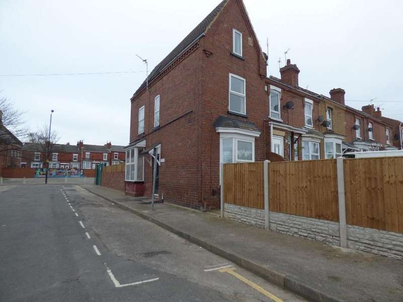 3 Bedrooms Semi Detached House for sale in St Mary's Crescent, Doncaster
