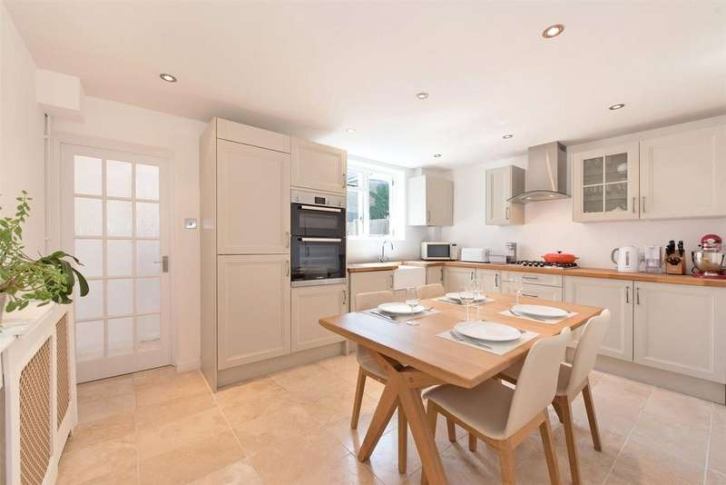2 Bedrooms Terraced House for sale in Banning Street, Greenwich, London, SE10