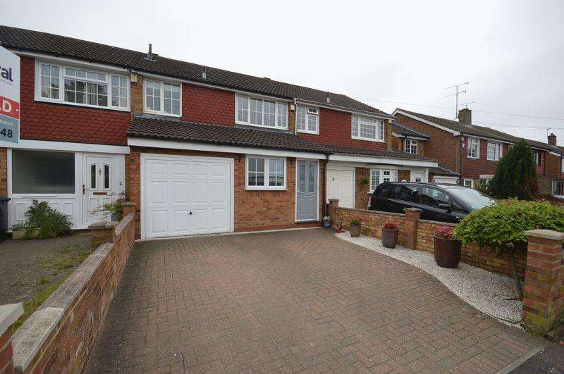 3 Bedrooms Terraced House for sale in Kinross Crescent, Luton.