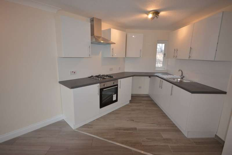2 Bedrooms Flat for sale in Templar Drive, North Thamesmead, London, SE28