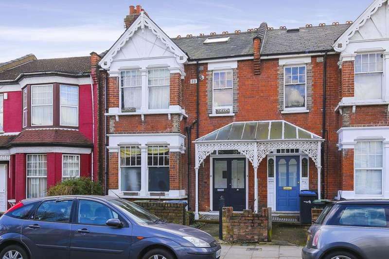 3 Bedrooms Flat for sale in Belsize Avenue, Palmers Green, London, N13