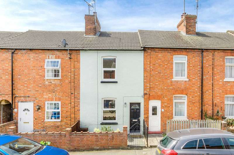2 Bedrooms Terraced House for sale in Greenfield Road, Newport Pagnell