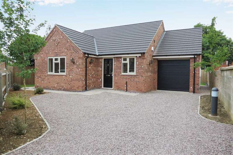 2 Bedrooms Detached Bungalow for sale in New Bungalow, Tennyson Avenue, Sleaford