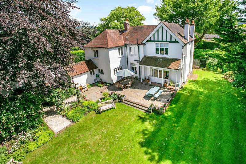 5 Bedrooms Detached House for sale in Sailing Club Road, Abbotsbrook, Bourne End, Buckinghamshire, SL8