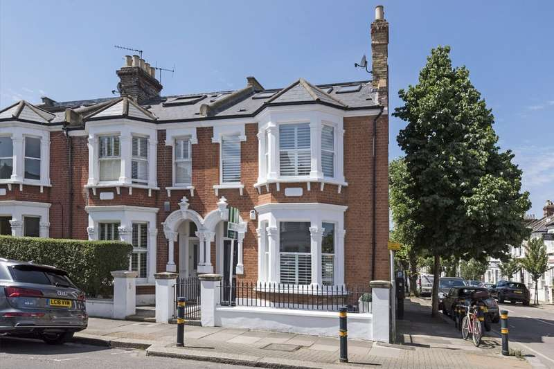 5 Bedrooms Terraced House for sale in Leathwaite Road, Battersea, London