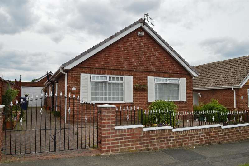 3 Bedrooms Detached Bungalow for sale in Laburnum Road, Ormesby, Middlesbrough, TS7 9DJ