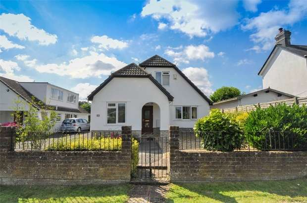 4 Bedrooms Detached House for sale in Sandy Lane, Colehill, Dorset