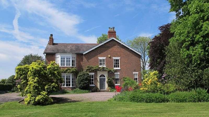 5 Bedrooms Detached House for sale in Hill Top Road, Acton Bridge