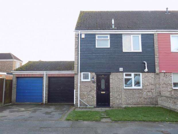 3 Bedrooms Semi Detached House for sale in Rochfords Gardens, Slough, SL2