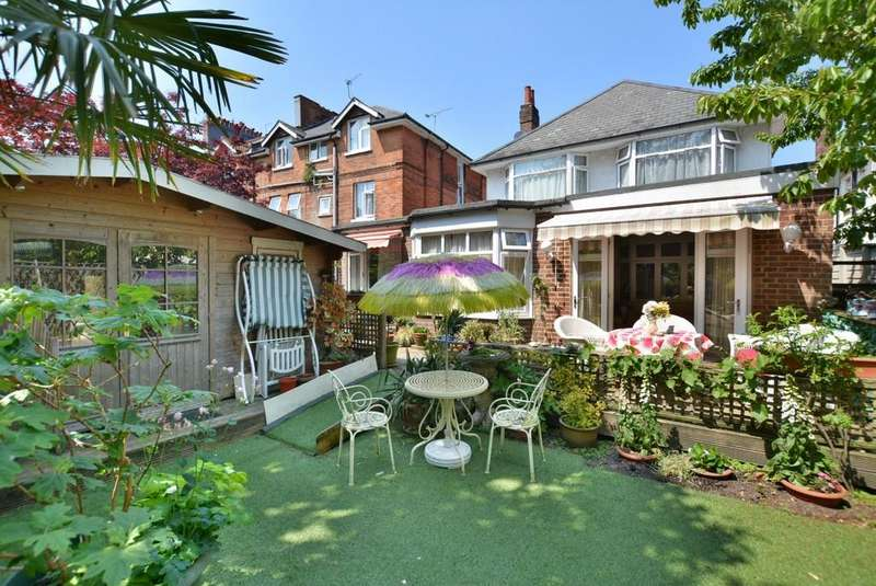 8 Bedrooms Detached House for sale in Frances Road, Bournemouth