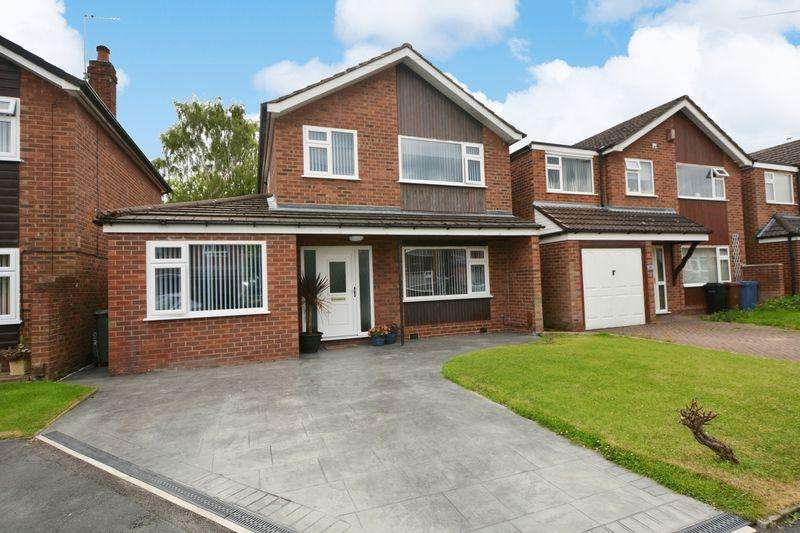 3 Bedrooms Detached House for sale in The Mere, Cheadle Hulme, Cheadle