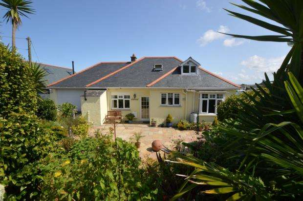 3 Bedrooms Detached Bungalow for sale in Pannier Lane, Carbis Bay, St. Ives, Cornwall