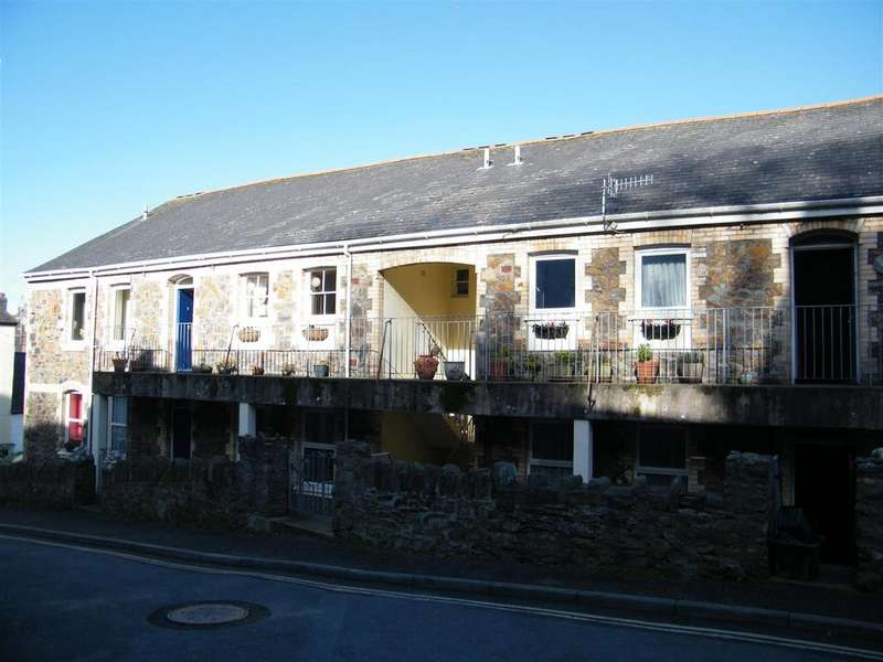 2 Bedrooms Detached House for sale in Parliament Court, Ilfracombe