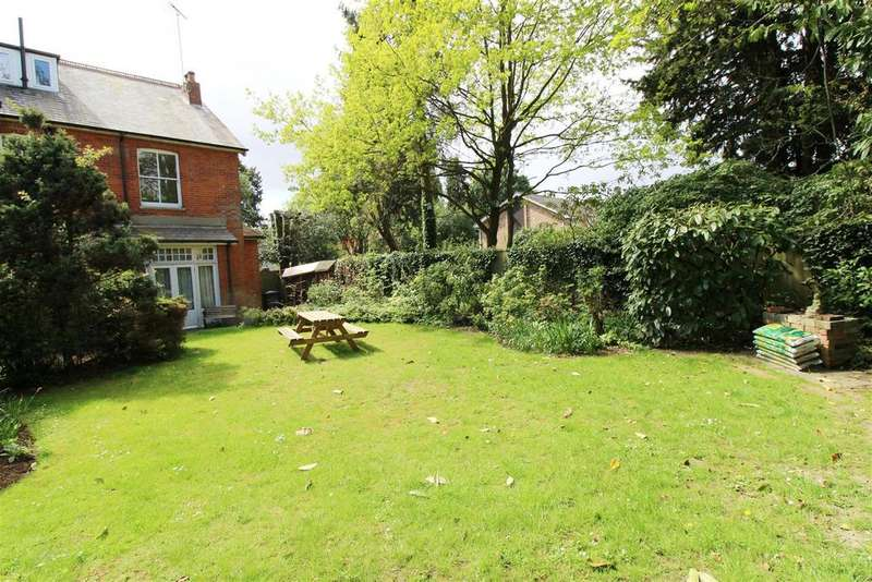 2 Bedrooms Apartment Flat for sale in Derby Road, Caversham, Reading