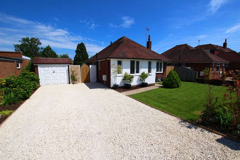 4 Bedrooms Detached Bungalow for sale in Meadows Road, Eastbourne, BN22 0NQ