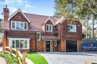 4 Bedrooms Detached House for sale in Welcomes Road, Kenley