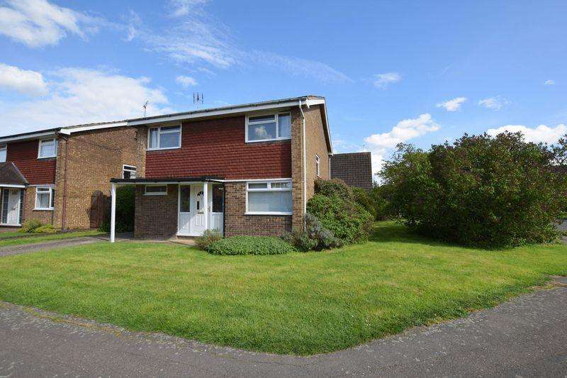 4 Bedrooms Detached House for sale in Ringstead Way, Aylesbury
