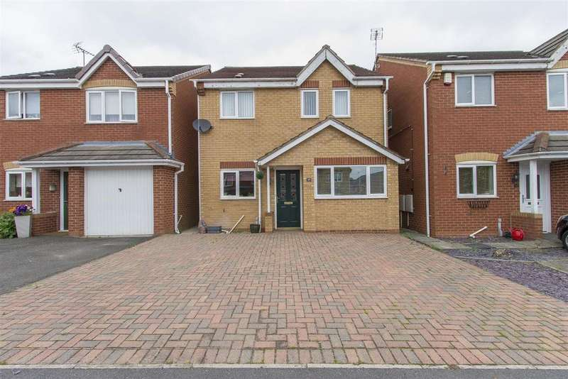 3 Bedrooms Detached House for sale in Ashton Road, Clay Cross, Chesterfield