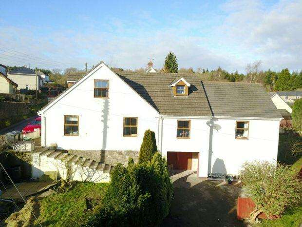 4 Bedrooms Detached House for sale in Parkhill , Whitecroft, Lydney