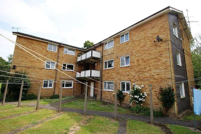 2 Bedrooms Apartment Flat for sale in Palmers Close, Linton, Cambridge