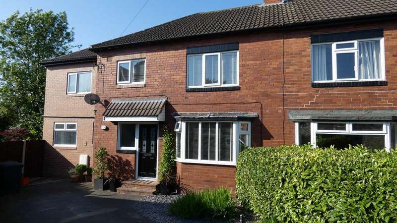 4 Bedrooms Semi Detached House for sale in Wensley Grove, Leeds LS7