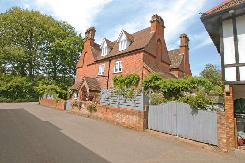 4 Bedrooms Semi Detached House for sale in St Johns Road, Exmouth