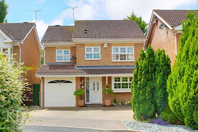 4 Bedrooms Detached House for sale in Lawrence Avenue, Stanstead Abbotts, Quick Move Required.