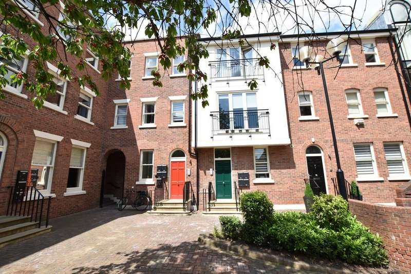 2 Bedrooms Apartment Flat for sale in Lower Bridge Street, Chester