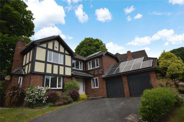 4 Bedrooms Detached House for sale in Cliffden Close, Teignmouth, Devon