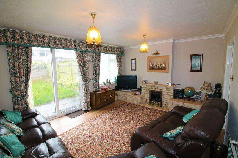 3 Bedrooms Terraced House for sale in Meadowside Drive, Whitchurch, Bristol