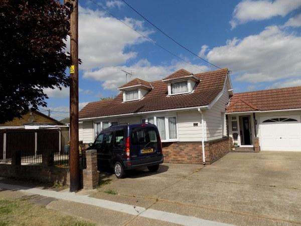 4 Bedrooms Bungalow for sale in 17 SOUTHWICK ROAD