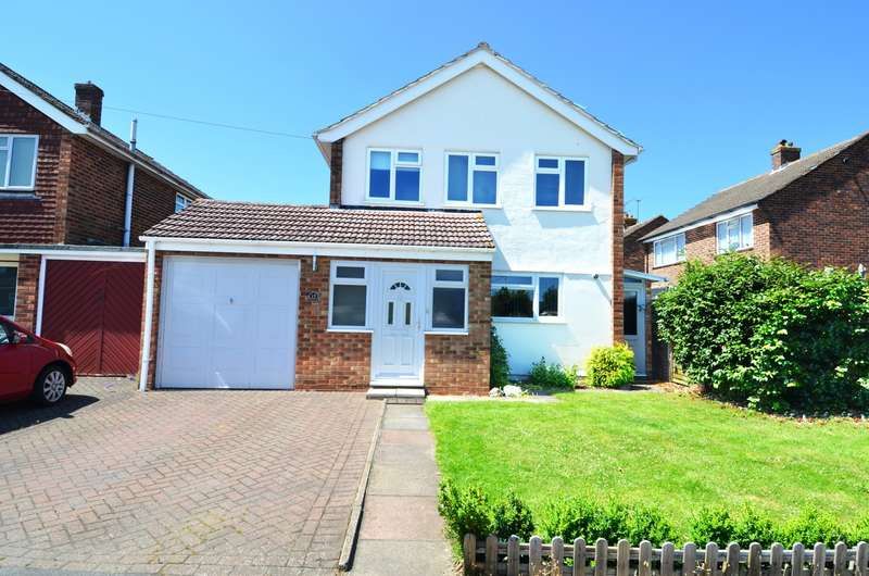 3 Bedrooms Detached House for sale in Churchill Close, Flackwell Heath, HP10