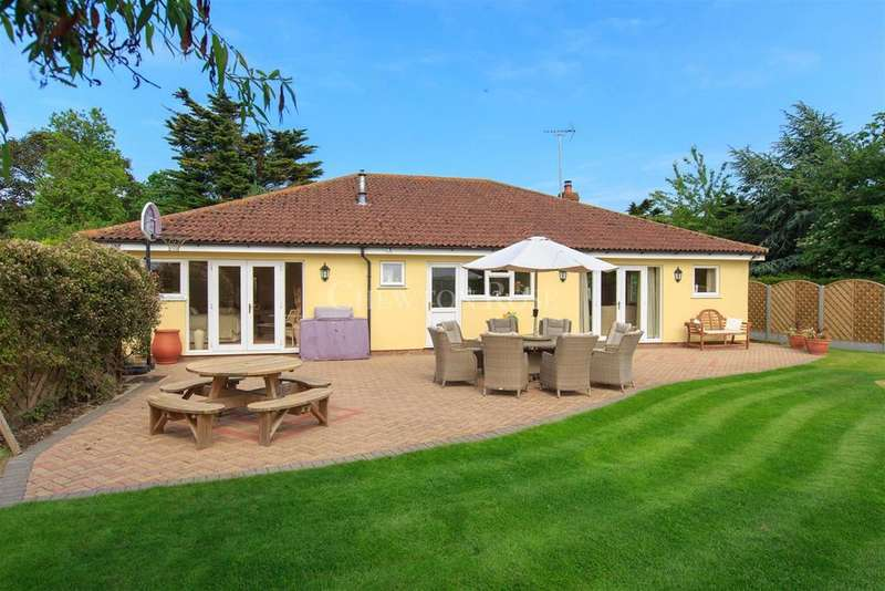 3 Bedrooms Bungalow for sale in Layer Breton Hill