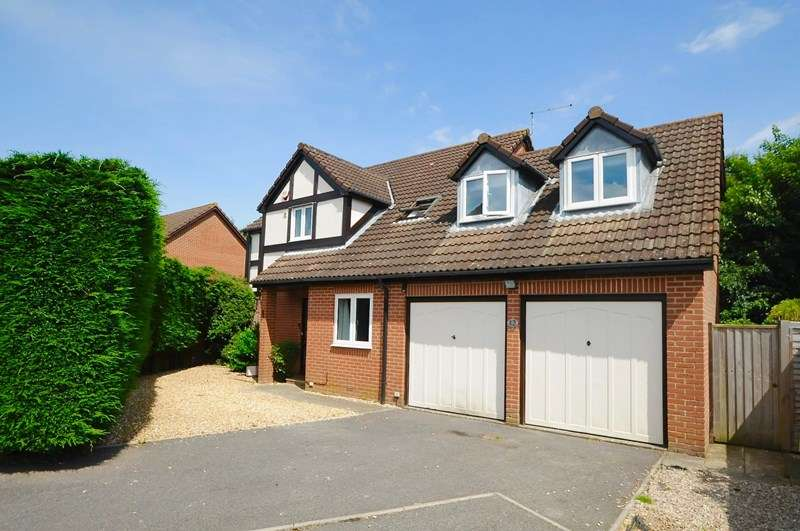 5 Bedrooms Detached House for sale in Talbot Meadows, Talbot Village, Poole
