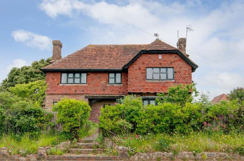 4 Bedrooms House for sale in Chyngton Road, Seaford, East Sussex, BN25 4HN