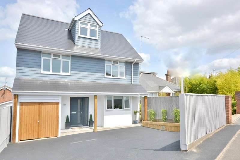 4 Bedrooms Detached House for sale in Dorchester Road, Poole, BH15 3RY