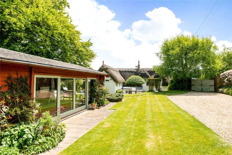 4 Bedrooms Detached House for sale in The Hollow, Shrewton, Salisbury, Wiltshire, SP3