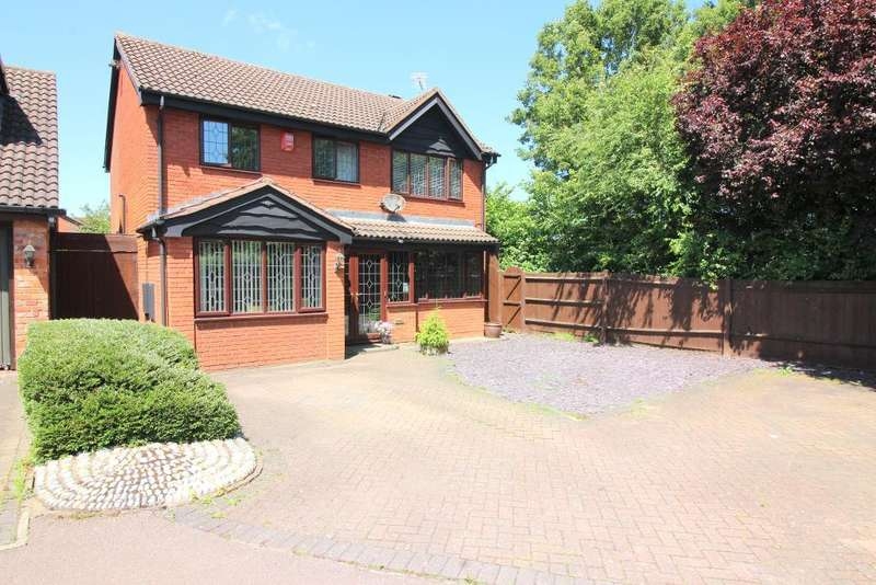 4 Bedrooms Detached House for sale in Nymans Close, Luton, Bedfordshire, LU2 8RP