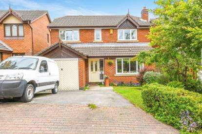 4 Bedrooms Detached House for sale in Tarnbeck, Norton, Runcorn, Cheshire, WA7
