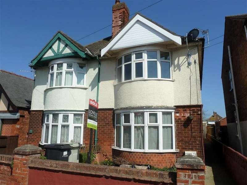 3 Bedrooms Semi Detached House for sale in Victoria Road, Mablethorpe, LN12 2AF