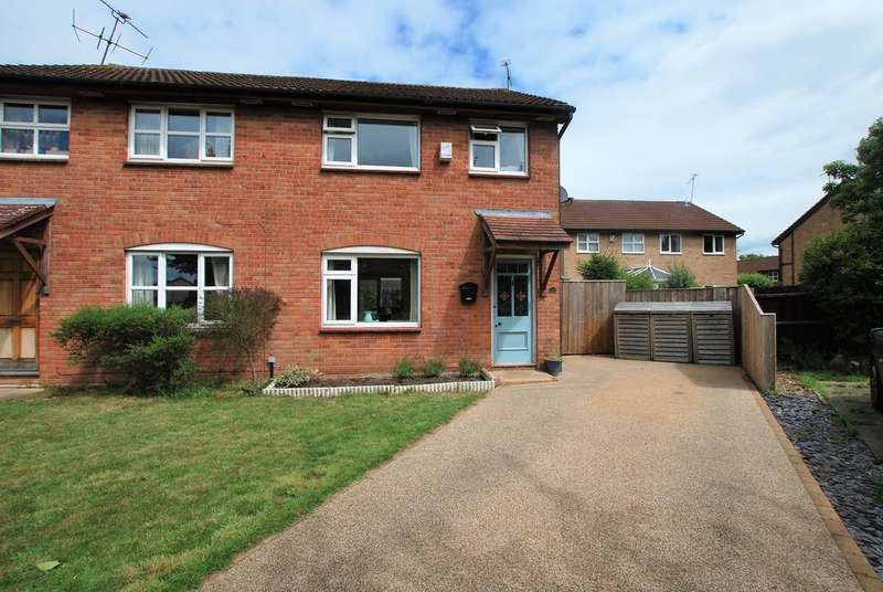 3 Bedrooms Semi Detached House for sale in Bluebell Close, Huntington, Chester