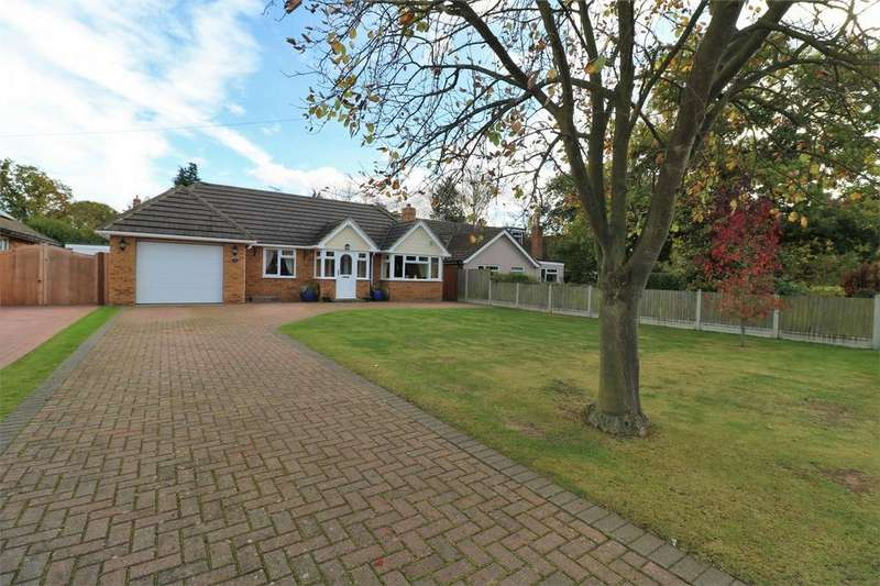 4 Bedrooms Detached Bungalow for sale in Woodland Way, Wivenhoe, Colchester, Essex
