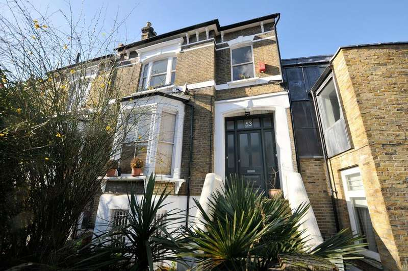 2 Bedrooms Flat for sale in Alkham Road, London