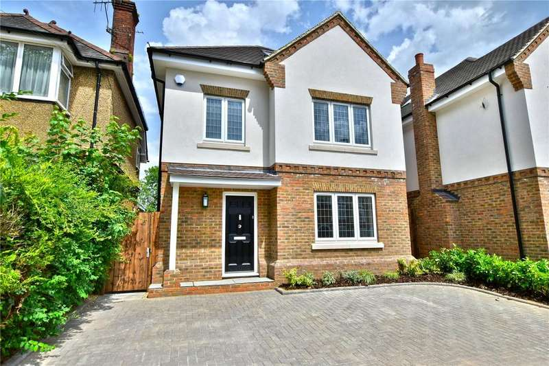 5 Bedrooms Detached House for sale in Gammons Lane, Watford, Hertfordshire, WD24