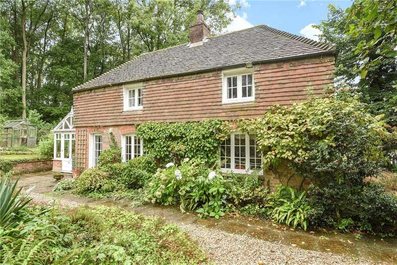 2 Bedrooms Detached House for sale in East End, Newbury, Hampshire, RG20