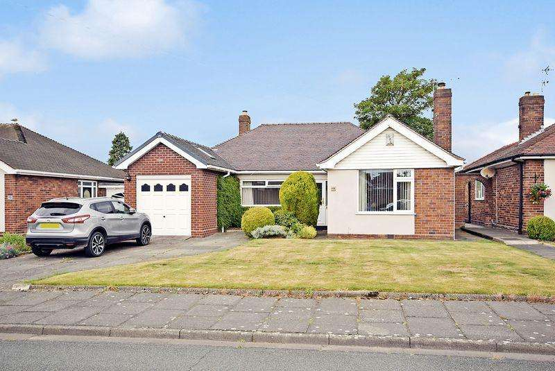 3 Bedrooms Detached Bungalow for sale in Tuson Drive, Widnes