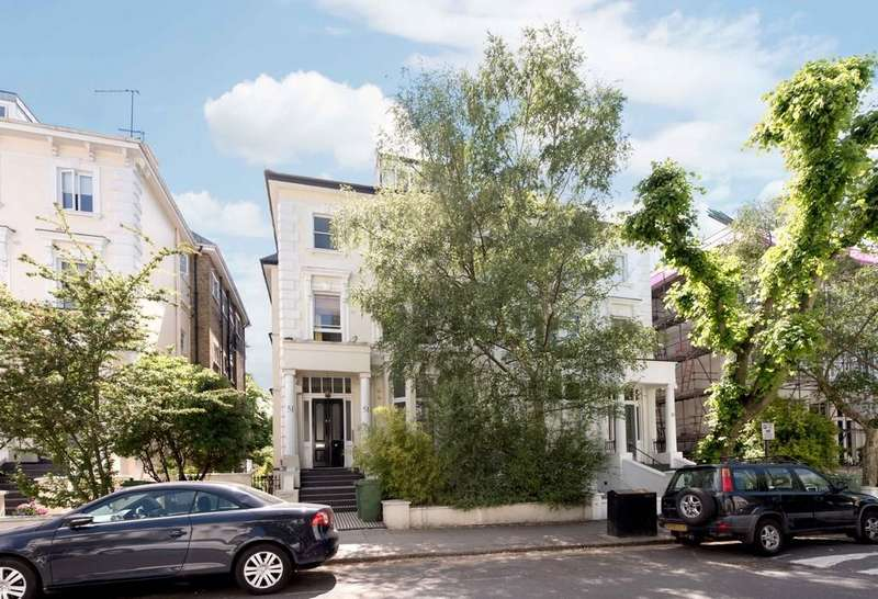 3 Bedrooms Apartment Flat for sale in Belsize Park Gardens, NW3
