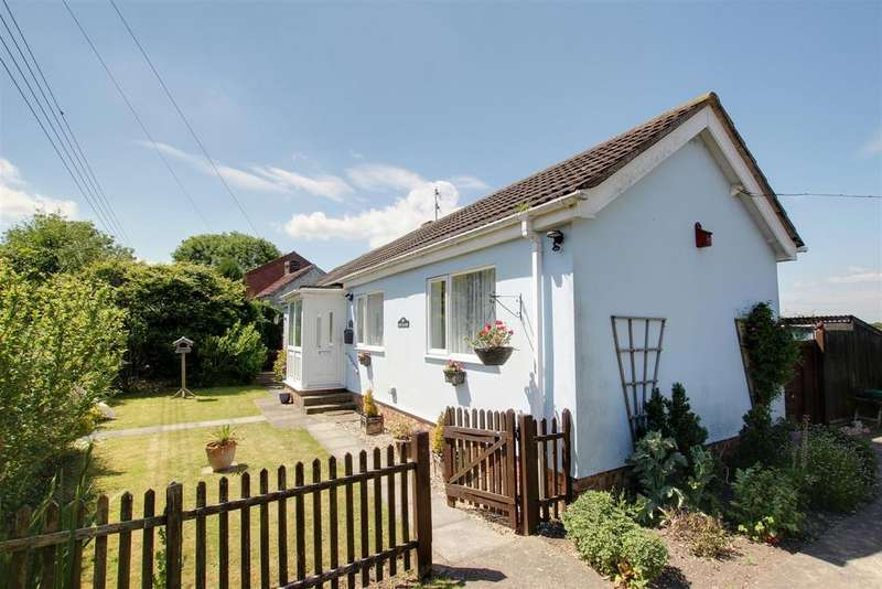 2 Bedrooms Detached Bungalow for sale in Sea Road, Anderby
