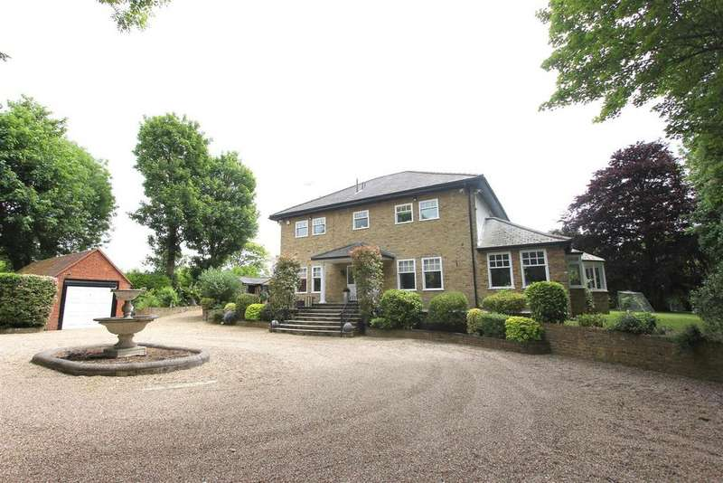 5 Bedrooms Detached House for sale in Roman Road, Mountnessing