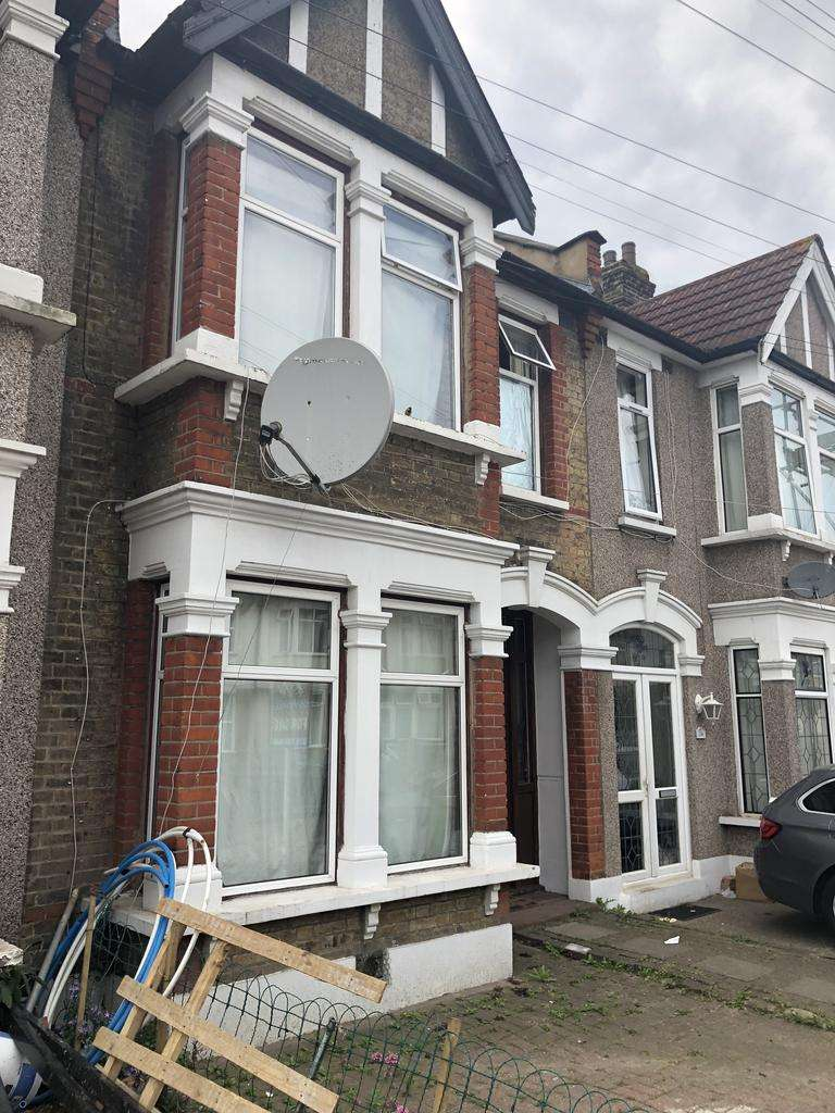 4 Bedrooms House for sale in Twyfrd Road, Ilford IG1